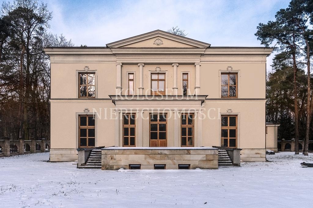 Wyjątkowa posiadłość w Konstancinie-Jeziorna